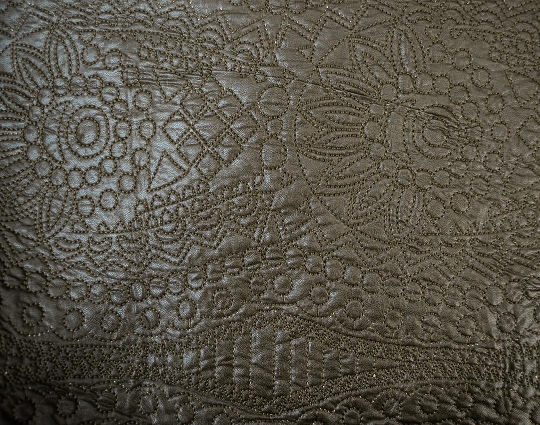 Утепленная искусственная кожа с вышивкой арт. 2175322, фото 1