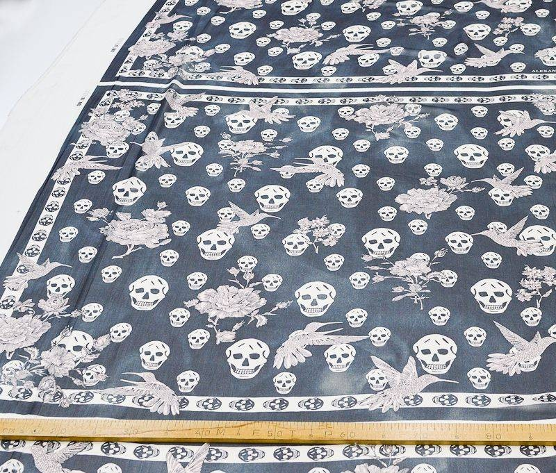 Платочная ткань Alexander MQueen купон 115см*115см арт. 23201/5314152, фото 2