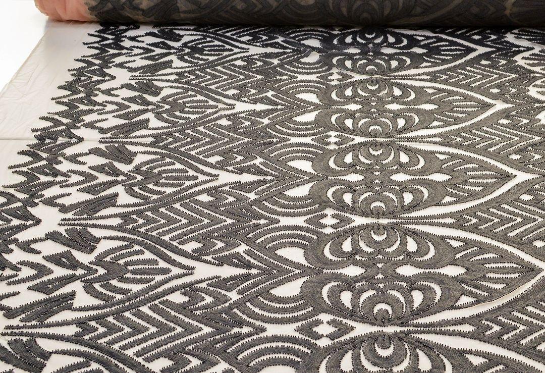Эффектная вышивка на сетке пайетками и бисером арт. 230917512, фото 2